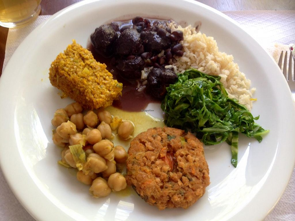 """Photo of Anna Prem - B6  by <a href=""""/members/profile/Paolla"""">Paolla</a> <br/>Hot dishes: feijoada, braised cabbage, pumpkin kibbeh, chickpeas dahl <br/> August 27, 2014  - <a href='/contact/abuse/image/14705/78370'>Report</a>"""