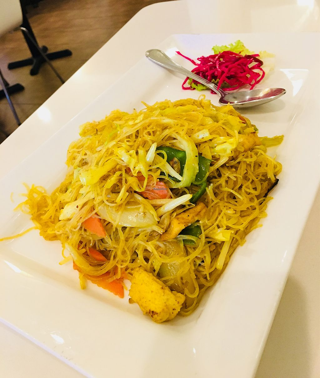 "Photo of Loving Hut - Milpitas  by <a href=""/members/profile/Clean%26Green"">Clean&Green</a> <br/>Singapore curry mi fun <br/> January 22, 2018  - <a href='/contact/abuse/image/14709/349922'>Report</a>"