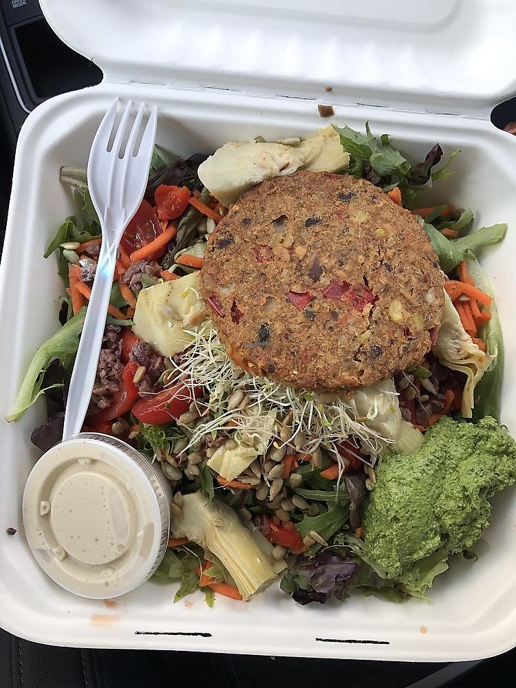 "Photo of Maia Papaya  by <a href=""/members/profile/nlevine94"">nlevine94</a> <br/>Vegetarian Salad with no feta and vegan veggie burger (all vegan, even the pesto). Great! <br/> November 11, 2017  - <a href='/contact/abuse/image/14853/324276'>Report</a>"