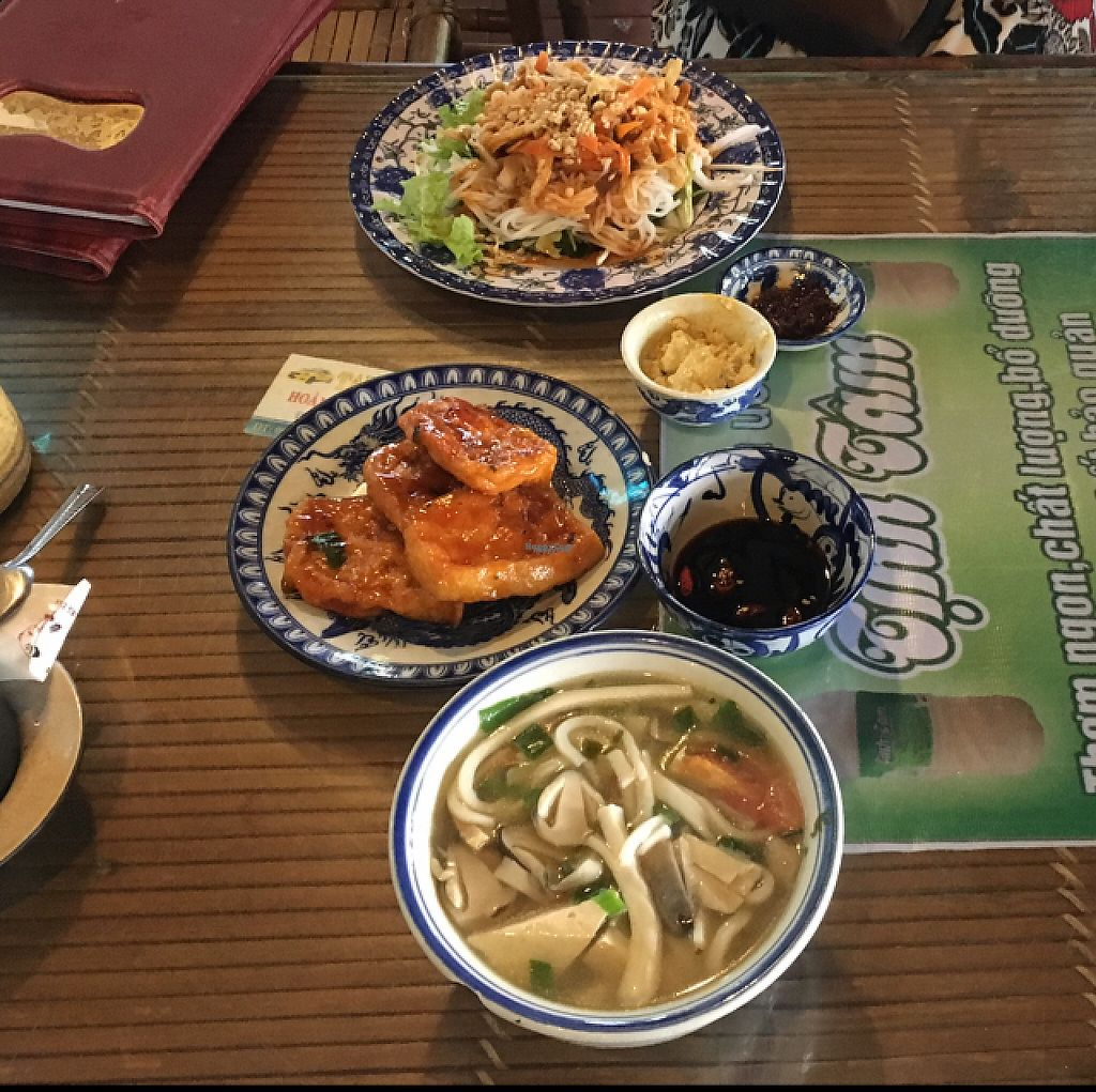 """Photo of Lien Hoa  by <a href=""""/members/profile/Ohwellokay"""">Ohwellokay</a> <br/>Dry vermicelli noodle, tomato sauce tofu, soup <br/> November 20, 2016  - <a href='/contact/abuse/image/14885/192484'>Report</a>"""