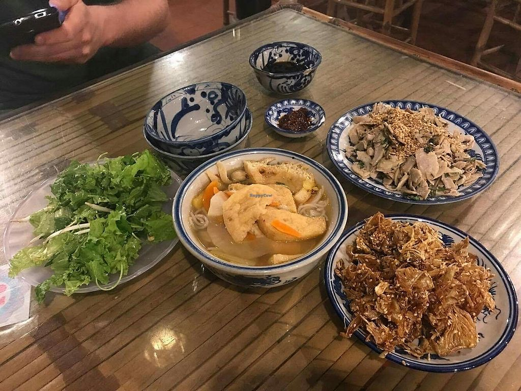 """Photo of Lien Hoa  by <a href=""""/members/profile/turnvegan"""">turnvegan</a> <br/>Supper at Lien Hoa, 70k dongs ($3) @July2017 <br/> July 18, 2017  - <a href='/contact/abuse/image/14885/281746'>Report</a>"""