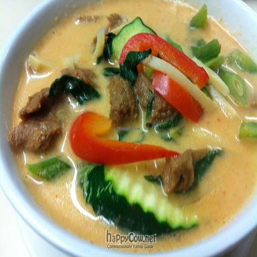 "Photo of Kow Thai  by <a href=""/members/profile/pheraphat"">pheraphat</a> <br/>Mock Duck Red Curry <br/> August 17, 2011  - <a href='/contact/abuse/image/14927/10177'>Report</a>"