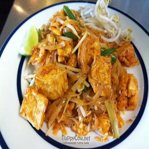 "Photo of Kow Thai  by <a href=""/members/profile/pheraphat"">pheraphat</a> <br/>Pad Thai Noodle Tofu  (without fish sauce) <br/> August 17, 2011  - <a href='/contact/abuse/image/14927/10178'>Report</a>"