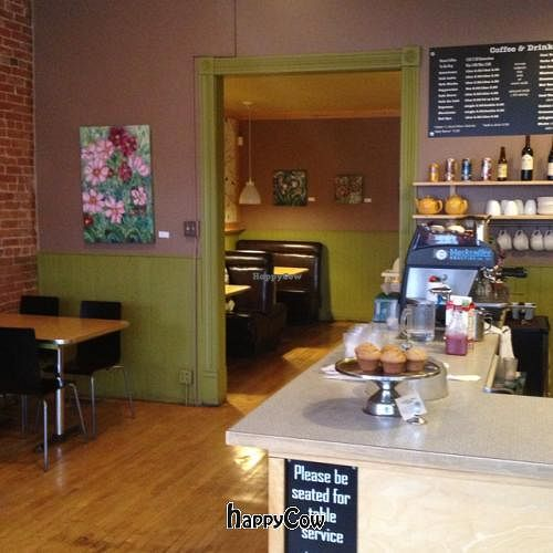 """Photo of The Hummingbird Cafe  by <a href=""""/members/profile/vegetariangirl"""">vegetariangirl</a> <br/>interior <br/> October 19, 2012  - <a href='/contact/abuse/image/14944/39253'>Report</a>"""
