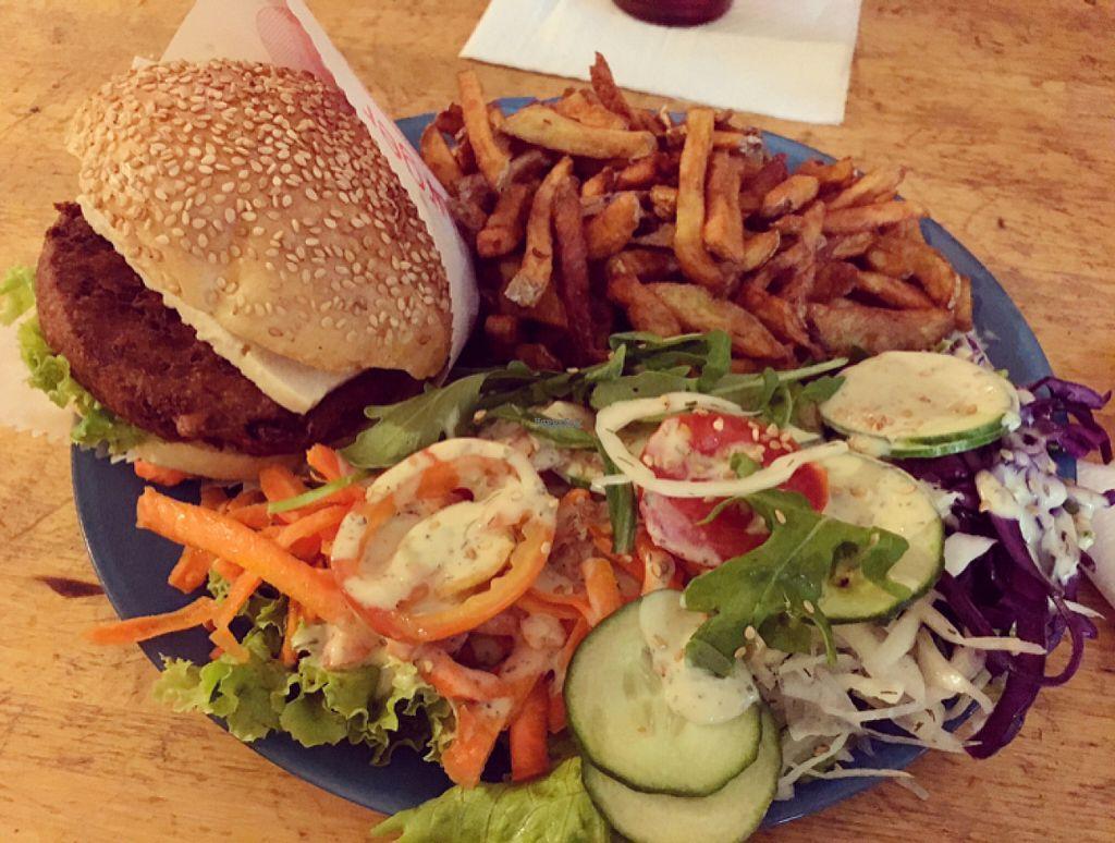 "Photo of Yoyo Foodworld  by <a href=""/members/profile/DanielaDaniela"">DanielaDaniela</a> <br/>burger <br/> August 6, 2016  - <a href='/contact/abuse/image/14960/166149'>Report</a>"