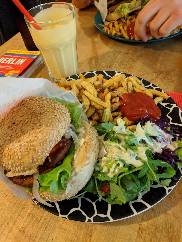 "Photo of Yoyo Foodworld  by <a href=""/members/profile/Pupnik"">Pupnik</a> <br/>Facon cheeze burger and mango lassi <br/> November 16, 2017  - <a href='/contact/abuse/image/14960/326302'>Report</a>"