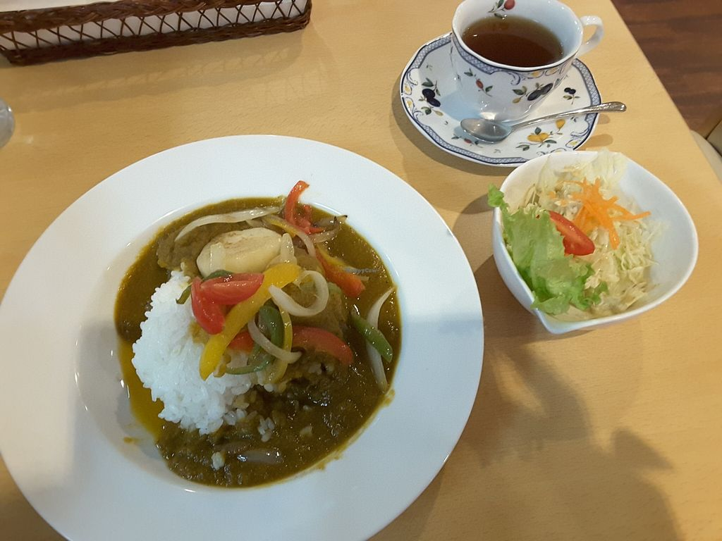 """Photo of Sun Art Takayama  by <a href=""""/members/profile/ClaireDavies"""">ClaireDavies</a> <br/>Vegetable curry and tea <br/> March 23, 2016  - <a href='/contact/abuse/image/15181/140998'>Report</a>"""
