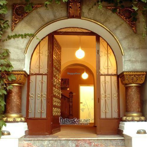 "Photo of CLOSED: Casa Satya  by <a href=""/members/profile/curcubeu"">curcubeu</a> <br/> December 12, 2008  - <a href='/contact/abuse/image/15198/1309'>Report</a>"