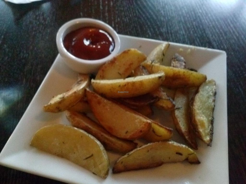 "Photo of Ravens' Restaurant  by <a href=""/members/profile/Sonja%20and%20Dirk"">Sonja and Dirk</a> <br/>roasted rosemary potatoes <br/> April 12, 2015  - <a href='/contact/abuse/image/1521/98774'>Report</a>"