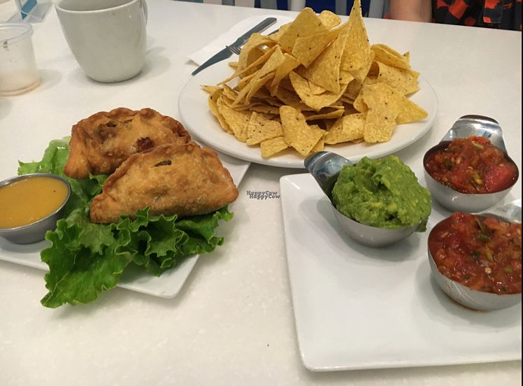 """Photo of Ananda Fuara  by <a href=""""/members/profile/CatLovesBeets"""">CatLovesBeets</a> <br/>yummy appetisers- we highly recommend the yummy samosas with mango dip <br/> September 18, 2016  - <a href='/contact/abuse/image/1555/176461'>Report</a>"""