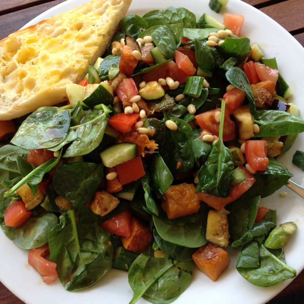 """Photo of Lilipad Cafe  by <a href=""""/members/profile/Jessicawright"""">Jessicawright</a> <br/>the pad salad <br/> November 23, 2015  - <a href='/contact/abuse/image/15609/126051'>Report</a>"""