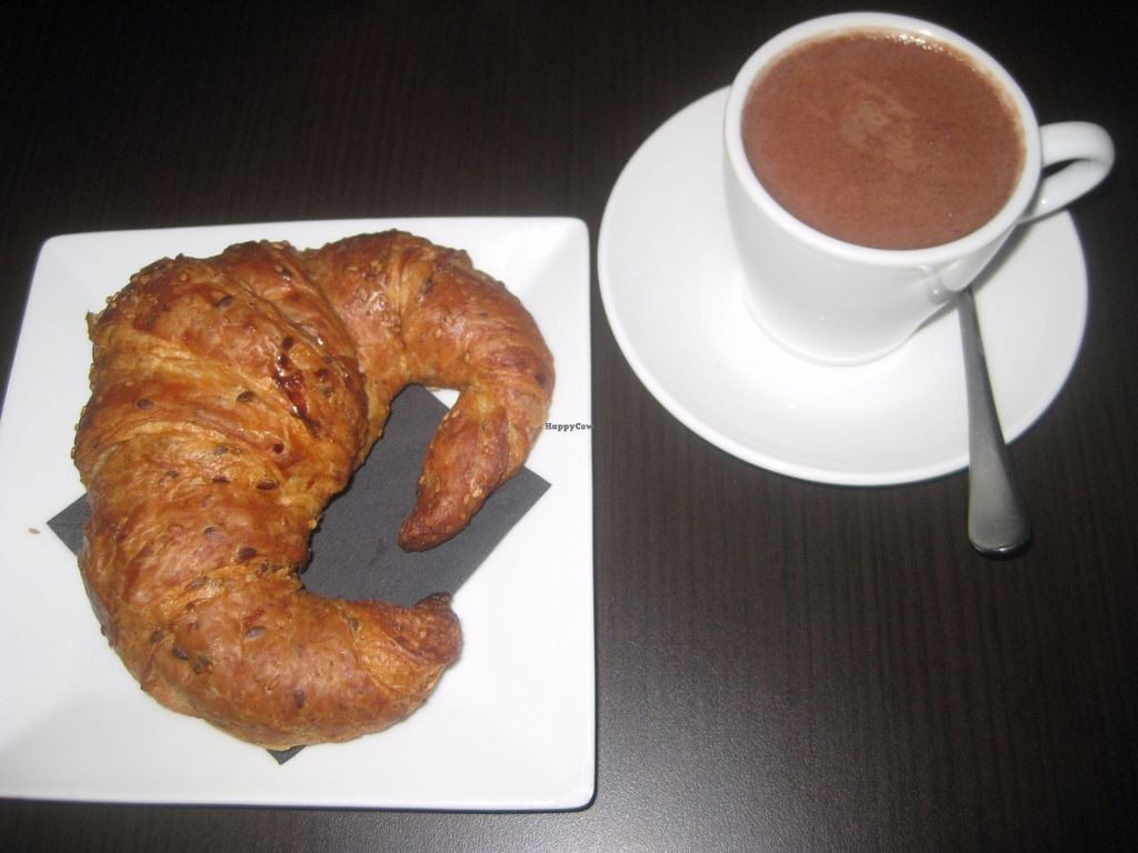 "Photo of B12  by <a href=""/members/profile/jennyc32"">jennyc32</a> <br/>Croissant and hot chocolate <br/> July 17, 2016  - <a href='/contact/abuse/image/15834/160441'>Report</a>"