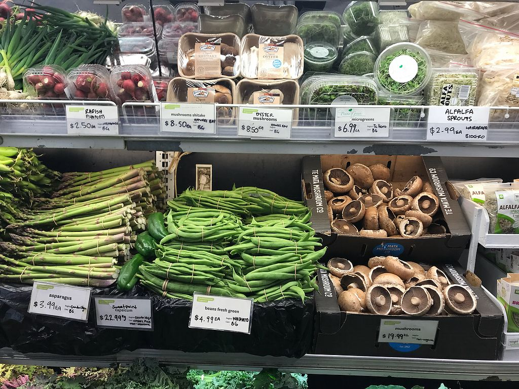"Photo of Commonsense Organics - Kilbirnie  by <a href=""/members/profile/Paolla"">Paolla</a> <br/>Vegetables and mushrooms <br/> November 19, 2017  - <a href='/contact/abuse/image/15866/327209'>Report</a>"