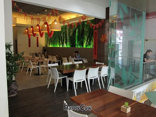 """Photo of CLOSED: Woods Bio Marche  by <a href=""""/members/profile/AshleyLorden"""">AshleyLorden</a> <br/>Restaurant setting <br/> February 24, 2013  - <a href='/contact/abuse/image/15905/44623'>Report</a>"""