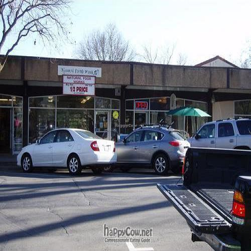 """Photo of Farmer's Kitchen Cafe  by <a href=""""/members/profile/faunablues"""">faunablues</a> <br/>Farmer's Kitchen Cafe/Natural Food Works <br/> May 15, 2009  - <a href='/contact/abuse/image/15932/1943'>Report</a>"""