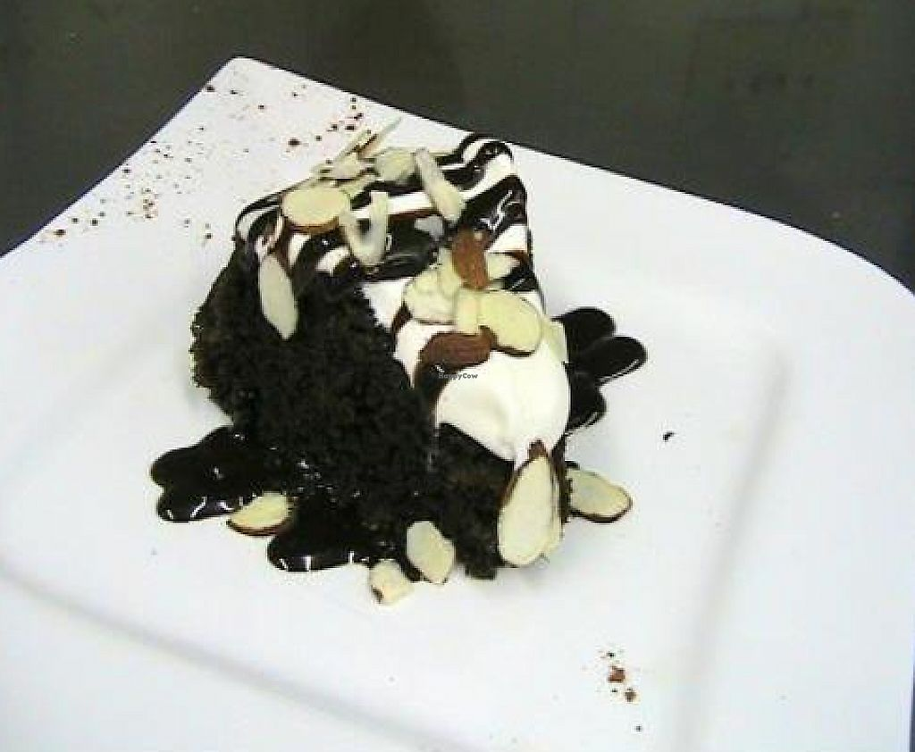 "Photo of Oasis Restaurant and Bar  by <a href=""/members/profile/Ticochef"">Ticochef</a> <br/>Vegan Chocolate Cake <br/> November 18, 2011  - <a href='/contact/abuse/image/16020/194309'>Report</a>"