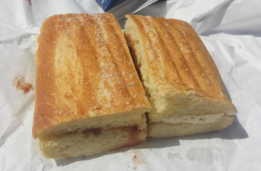 Photo of Love Muffin Cafe  by Navegante <br/>Vegan sandwich, Apr 2015 <br/> April 24, 2015  - <a href='/contact/abuse/image/16126/230470'>Report</a>