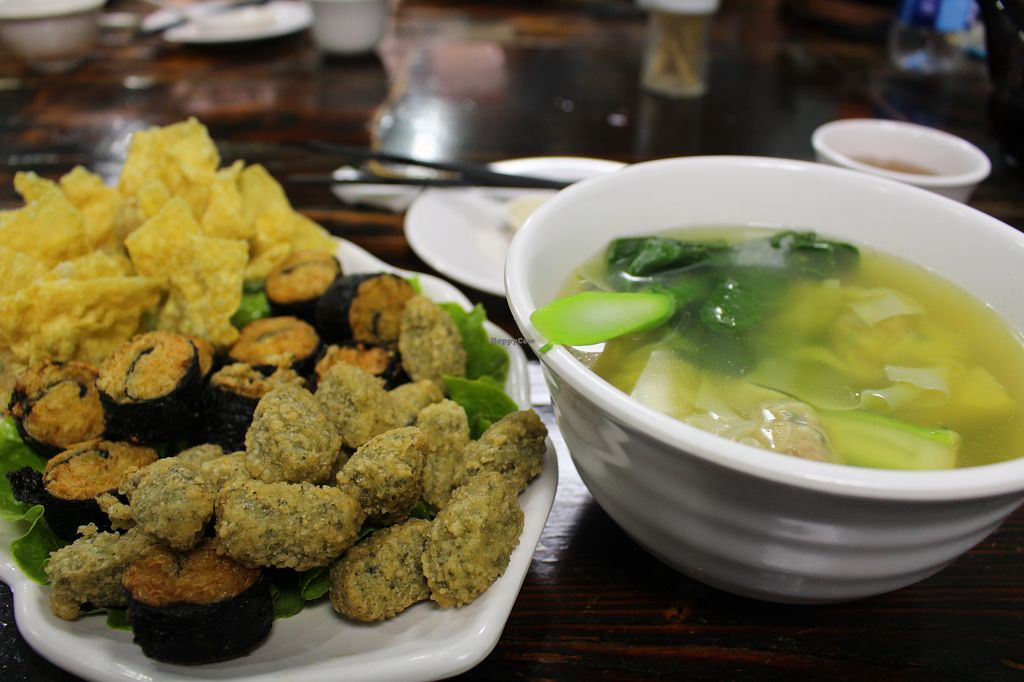 """Photo of CLOSED: Feng Cheng Xuan  by <a href=""""/members/profile/Froutssy"""">Froutssy</a> <br/>Fried stuff and soup with wontons (60+25 MOP) <br/> August 10, 2015  - <a href='/contact/abuse/image/16368/112971'>Report</a>"""