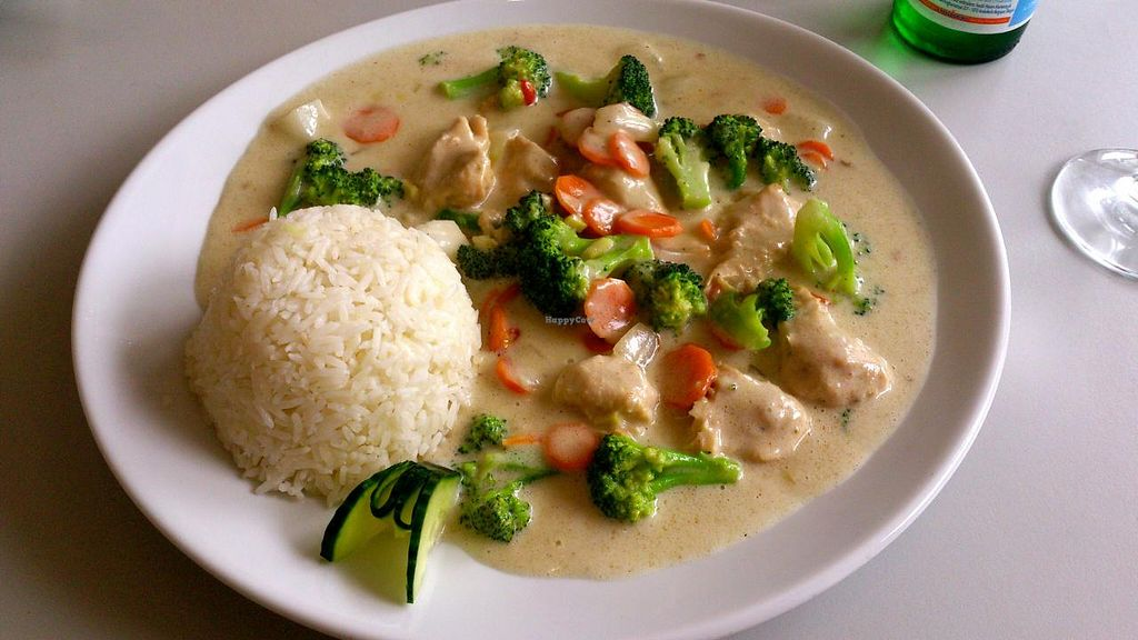 "Photo of Vegefarm  by <a href=""/members/profile/Valkyrje"">Valkyrje</a> <br/>Vegan 'duck' with vegetables, rice and a creamy sauce <br/> April 27, 2014  - <a href='/contact/abuse/image/16384/68737'>Report</a>"