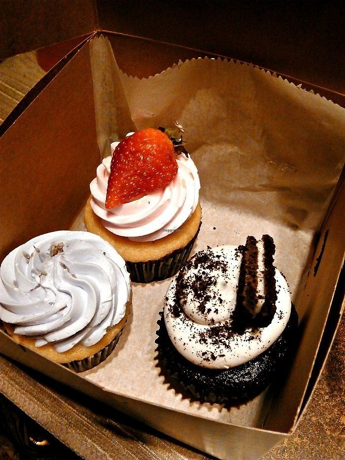"""Photo of Sweet Avenue Bake Shop  by <a href=""""/members/profile/V%CE%B5G%CE%9B%E2%98%A5G%CE%9BL"""">VεGΛ☥GΛL</a> <br/> February 16, 2018  - <a href='/contact/abuse/image/16688/359842'>Report</a>"""