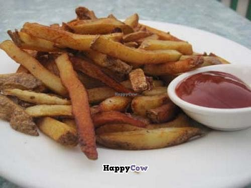 """Photo of CLOSED: Green Earth Vegetarian Cuisine - Ottawa  by <a href=""""/members/profile/Babette"""">Babette</a> <br/>Fresh fries <br/> December 6, 2013  - <a href='/contact/abuse/image/16778/59966'>Report</a>"""