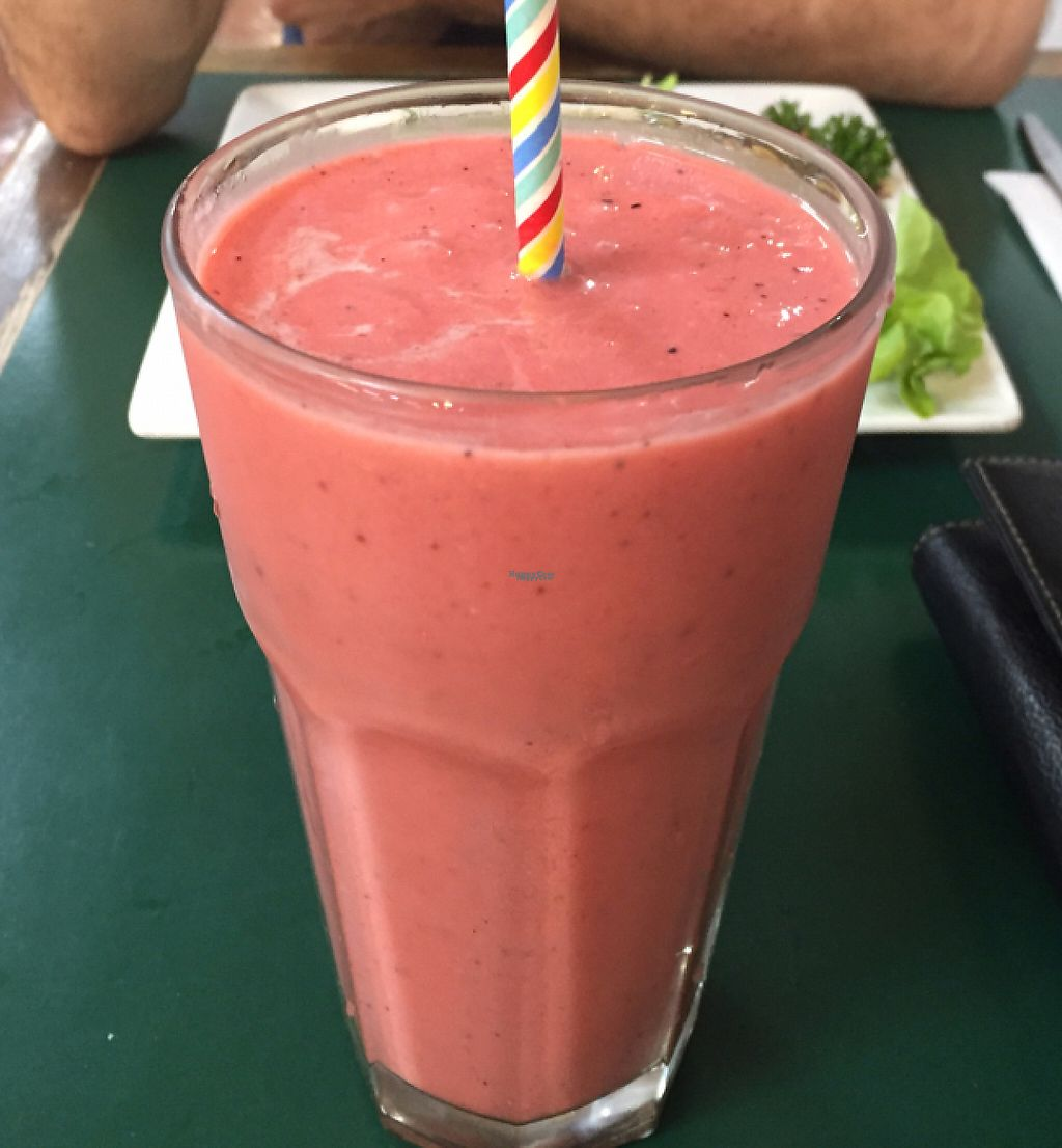 """Photo of Snoogies Health Bar  by <a href=""""/members/profile/Veganbuby"""">Veganbuby</a> <br/>Mango, pineapple, papaya, dragonfruit and coconut cream smoothie! SO TASTY!  <br/> October 27, 2016  - <a href='/contact/abuse/image/16889/254238'>Report</a>"""