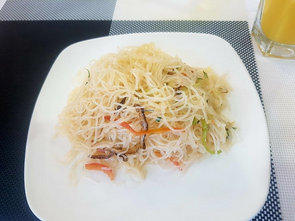 """Photo of Luna Blanca  by <a href=""""/members/profile/GrahamD"""">GrahamD</a> <br/>Rice noodle salad <br/> July 10, 2017  - <a href='/contact/abuse/image/17018/278696'>Report</a>"""