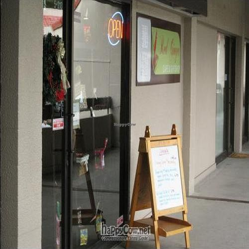 """Photo of CLOSED: Red Ginger Health Cafe  by <a href=""""/members/profile/cvxmelody"""">cvxmelody</a> <br/>Front of restaurant <br/> December 23, 2009  - <a href='/contact/abuse/image/17170/3163'>Report</a>"""