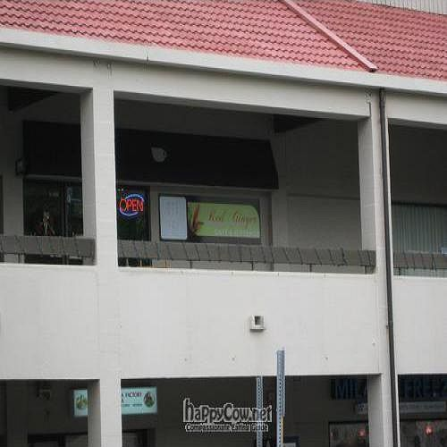 """Photo of CLOSED: Red Ginger Health Cafe  by <a href=""""/members/profile/cvxmelody"""">cvxmelody</a> <br/>Another view of restaurant <br/> December 23, 2009  - <a href='/contact/abuse/image/17170/3164'>Report</a>"""