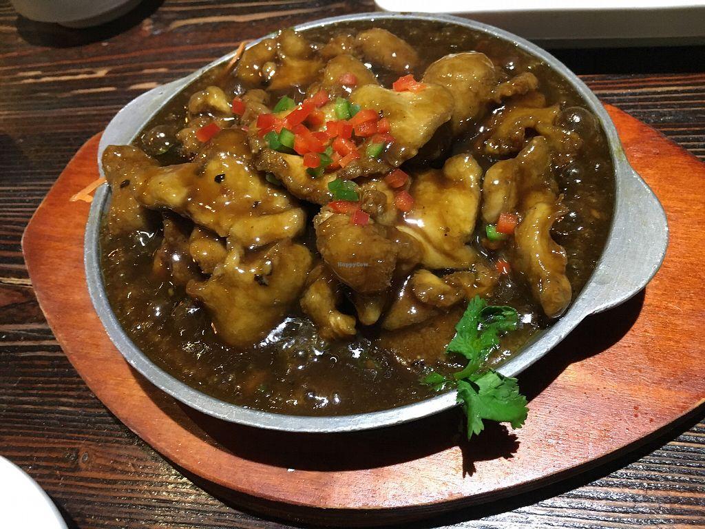 "Photo of Ji Xiang Cao - Lucky Zen & Veg Restaurant  by <a href=""/members/profile/sousuneautrelentille"">sousuneautrelentille</a> <br/>Mushroom hot dish <br/> March 16, 2018  - <a href='/contact/abuse/image/17209/371409'>Report</a>"