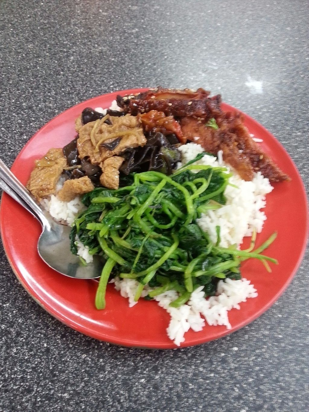 """Photo of Le Tian Vegetarian Stall  by <a href=""""/members/profile/Satrai"""">Satrai</a> <br/>Le Tian <br/> September 1, 2016  - <a href='/contact/abuse/image/17293/172919'>Report</a>"""
