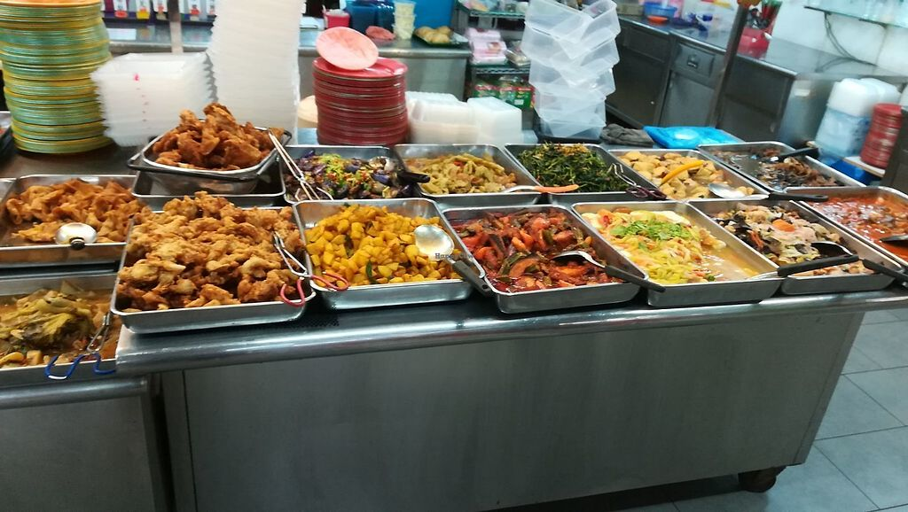 """Photo of Le Tian Vegetarian Stall  by <a href=""""/members/profile/ChoyYuen"""">ChoyYuen</a> <br/>More dishes <br/> April 18, 2018  - <a href='/contact/abuse/image/17293/387626'>Report</a>"""