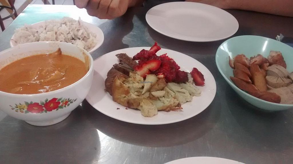 """Photo of Vegetarian  by <a href=""""/members/profile/ThomasHanewald"""">ThomasHanewald</a> <br/>The chicken and the Beef (the red one) was the best  <br/> August 25, 2014  - <a href='/contact/abuse/image/17392/78189'>Report</a>"""