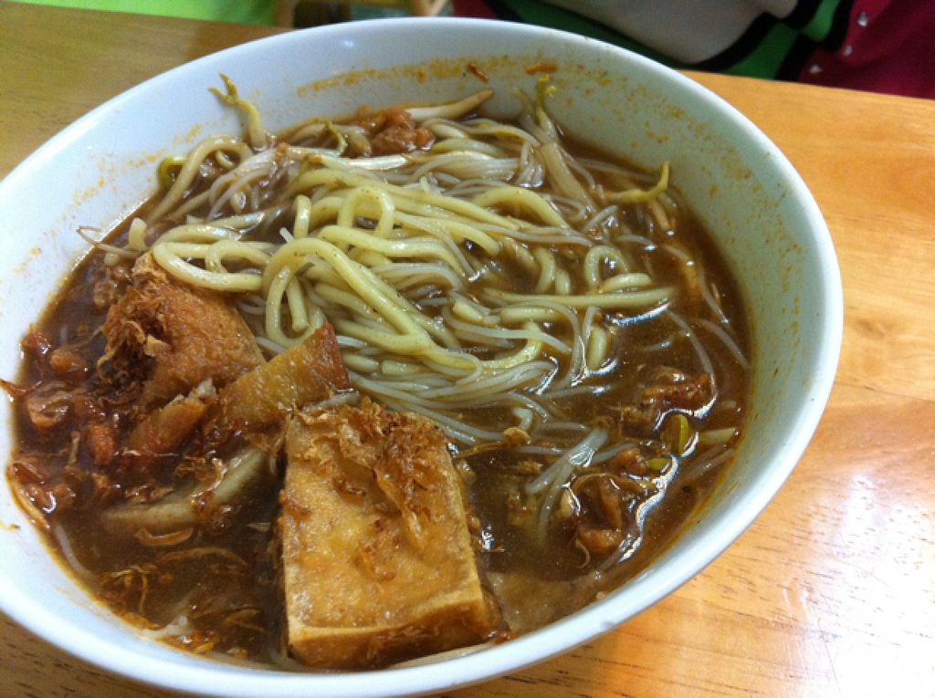 """Photo of Zhu Yuan  by <a href=""""/members/profile/Tatoumei"""">Tatoumei</a> <br/>hokkien noodle soup - tasty but way too salty <br/> December 7, 2015  - <a href='/contact/abuse/image/17559/127523'>Report</a>"""