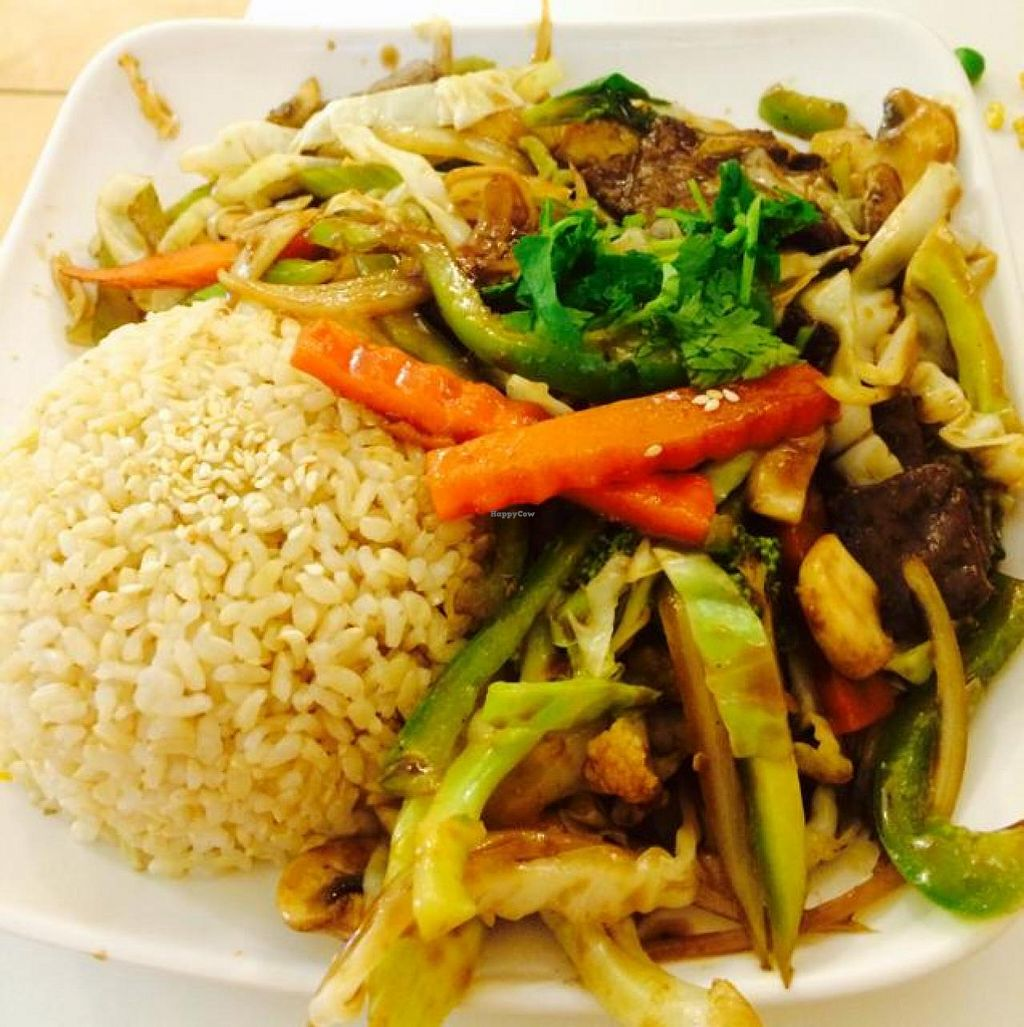 """Photo of Loving Hut - North Park Uptown  by <a href=""""/members/profile/yesenialc91"""">yesenialc91</a> <br/>Deluxe vegetables❤️ <br/> August 29, 2014  - <a href='/contact/abuse/image/17706/78537'>Report</a>"""