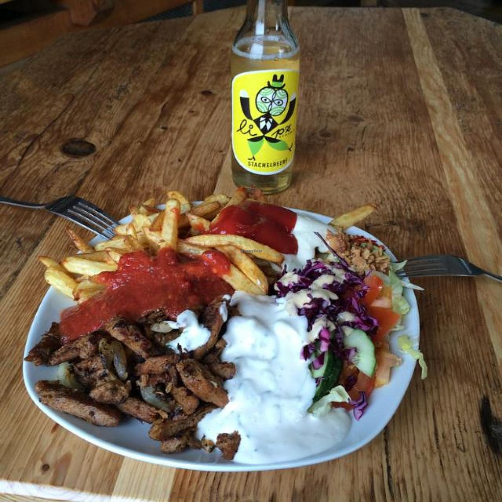 """Photo of Vleischerei  by <a href=""""/members/profile/Plantpower"""">Plantpower</a> <br/>Vegan gyros <br/> August 15, 2014  - <a href='/contact/abuse/image/17729/77010'>Report</a>"""