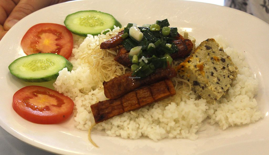 "Photo of Thien Duyen Ben Thanh  by <a href=""/members/profile/kezia"">kezia</a> <br/>'Mock' pork with rice and savoury cake <br/> January 26, 2018  - <a href='/contact/abuse/image/17755/351176'>Report</a>"