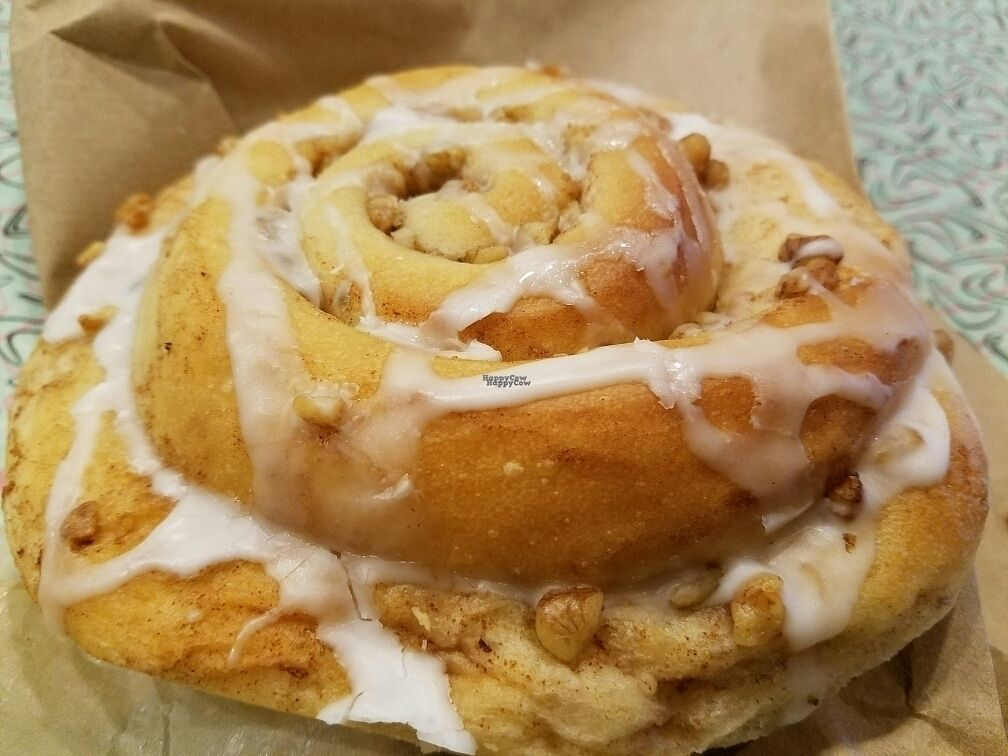 """Photo of Sticky Fingers Bakery  by <a href=""""/members/profile/EverydayTastiness"""">EverydayTastiness</a> <br/>stickybun <br/> October 13, 2016  - <a href='/contact/abuse/image/1792/181958'>Report</a>"""