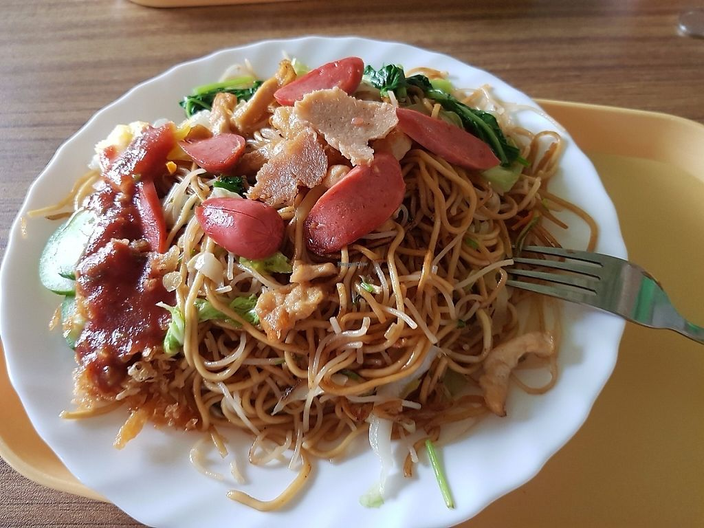 """Photo of Huai De Vegetarian Snack  by <a href=""""/members/profile/Hotfuzzy69"""">Hotfuzzy69</a> <br/>Noodle stir fry <br/> May 30, 2017  - <a href='/contact/abuse/image/17988/264239'>Report</a>"""