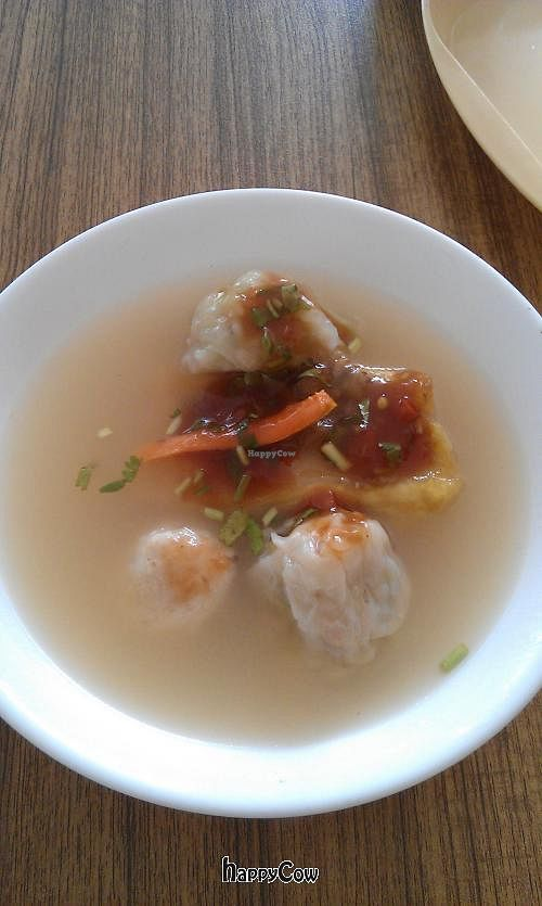 """Photo of Huai De Vegetarian Snack  by <a href=""""/members/profile/Oinkrabbit"""">Oinkrabbit</a> <br/>Soup with veg yummy ingredients <br/> June 23, 2013  - <a href='/contact/abuse/image/17988/50040'>Report</a>"""