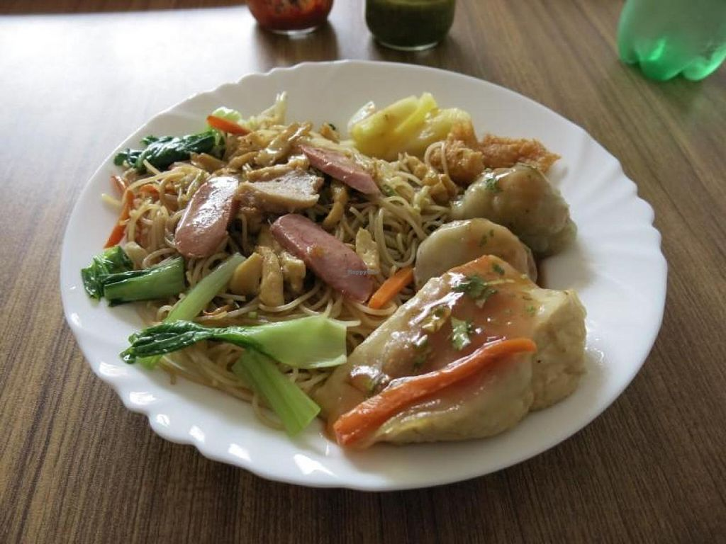 """Photo of Huai De Vegetarian Snack  by <a href=""""/members/profile/veganskinhead"""">veganskinhead</a> <br/>My meal <br/> August 29, 2014  - <a href='/contact/abuse/image/17988/78539'>Report</a>"""