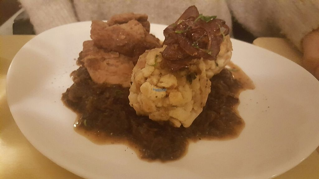 """Photo of Landia  by <a href=""""/members/profile/loveforveganfood"""">loveforveganfood</a> <br/>Zwiebelrostbraten mit Knödel vegan <br/> March 17, 2017  - <a href='/contact/abuse/image/18004/237648'>Report</a>"""
