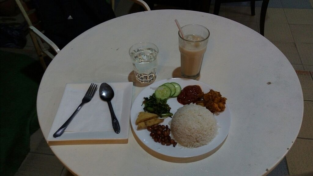 "Photo of Chayo Cafe  by <a href=""/members/profile/tantanhappy"">tantanhappy</a> <br/>RM10 Nasi Lemak <br/> February 10, 2017  - <a href='/contact/abuse/image/18081/224944'>Report</a>"