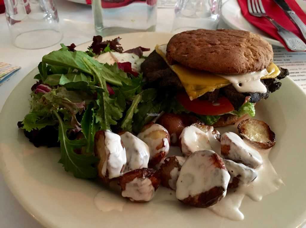 """Photo of Pena Pachamama  by <a href=""""/members/profile/veganeconomist"""">veganeconomist</a> <br/>Cheese burger  <br/> April 26, 2017  - <a href='/contact/abuse/image/18085/252530'>Report</a>"""