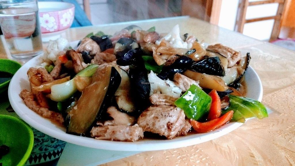 "Photo of Gui Xiang Xuan Vegetarian  by <a href=""/members/profile/CaptanaBanana"">CaptanaBanana</a> <br/>Su shi jin, 18 yuan <br/> May 14, 2017  - <a href='/contact/abuse/image/18286/258641'>Report</a>"