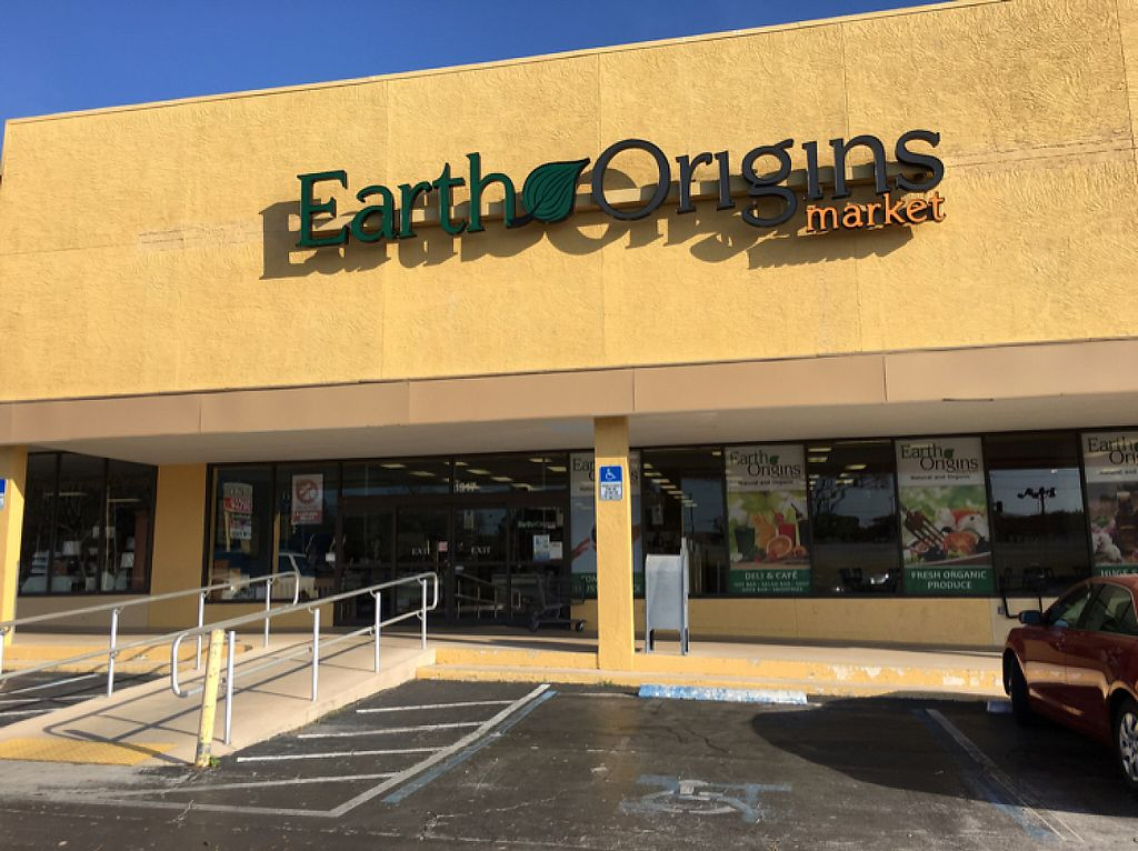 "Photo of Earth Origins Market  by <a href=""/members/profile/KWdaddio"">KWdaddio</a> <br/>Earth Origins exterior <br/> March 7, 2017  - <a href='/contact/abuse/image/1848/233929'>Report</a>"