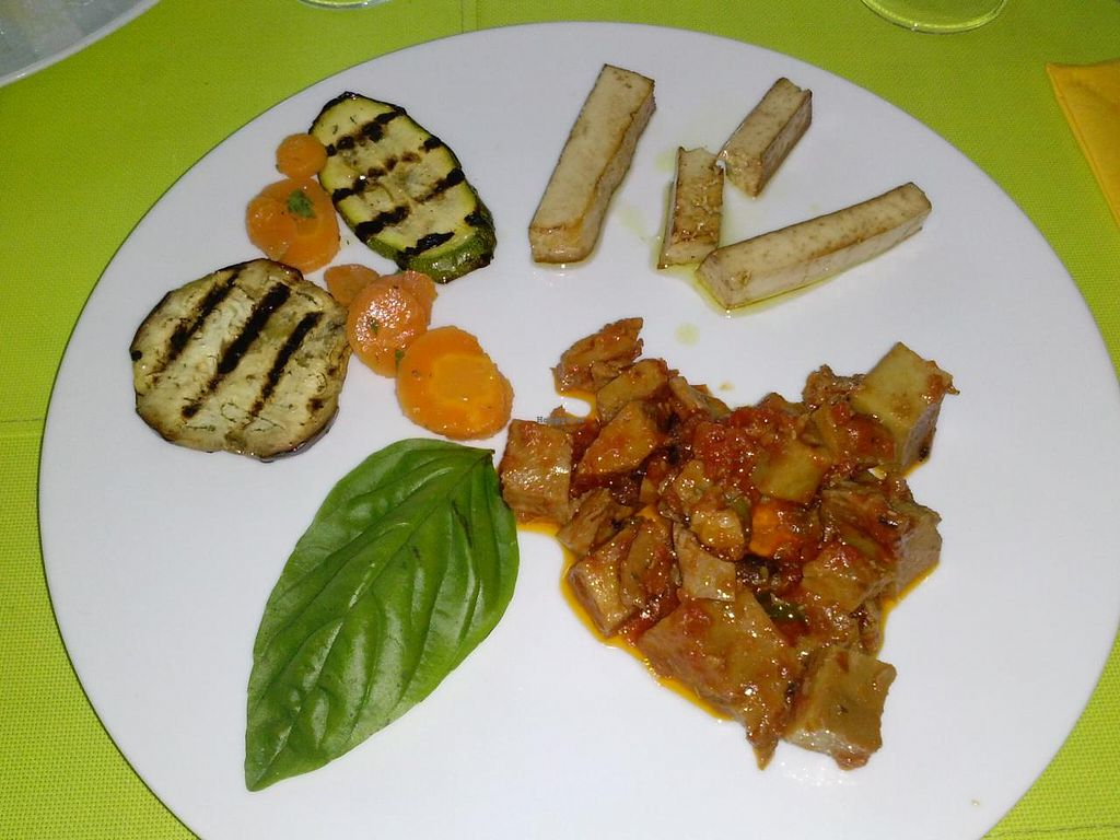 """Photo of CLOSED: Mondo Bio Cafe and Shop  by <a href=""""/members/profile/Sonja%20and%20Dirk"""">Sonja and Dirk</a> <br/>seitan stew and tofu <br/> July 14, 2015  - <a href='/contact/abuse/image/18649/109260'>Report</a>"""