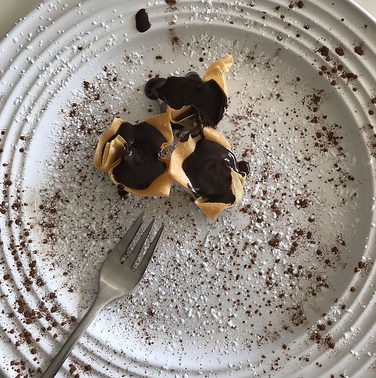 """Photo of The Greenside Cafe  by <a href=""""/members/profile/tomatojuice"""">tomatojuice</a> <br/>Shooting Stars Dessert <br/> June 17, 2017  - <a href='/contact/abuse/image/18707/270002'>Report</a>"""