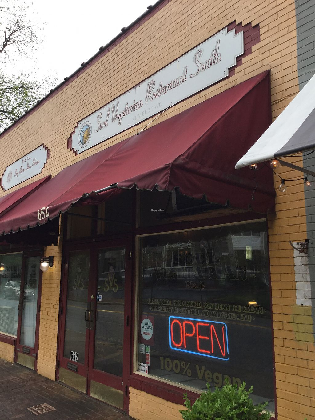 "Photo of Soul Vegetarian - Highland  by <a href=""/members/profile/Julie%20R"">Julie R</a> <br/>This place is in a great neighborhood (but not great parking).  Place is charming and clean <br/> May 18, 2018  - <a href='/contact/abuse/image/1890/401232'>Report</a>"