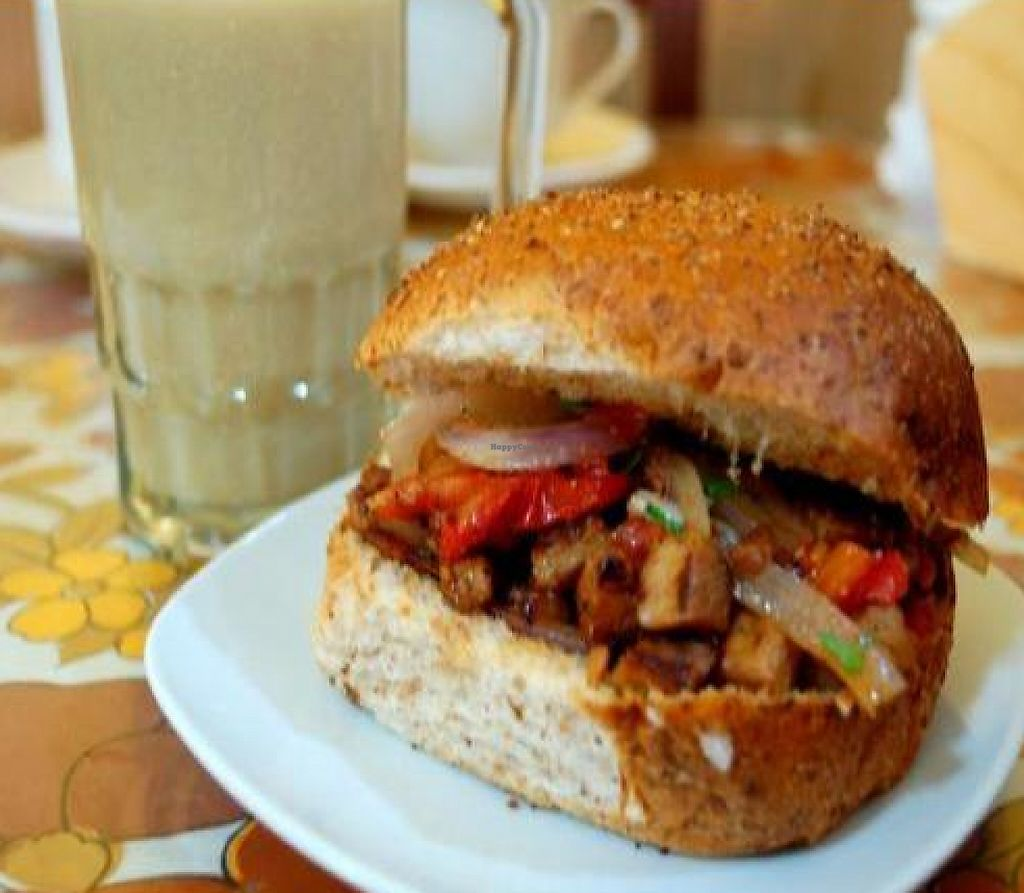 """Photo of Sabor y Vida  by <a href=""""/members/profile/quarrygirl"""">quarrygirl</a> <br/>The 'Lomitovell', a 'Saltado' in a bun by chica vegan <br/> December 25, 2011  - <a href='/contact/abuse/image/18916/190368'>Report</a>"""